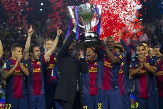 Cùng Barcelona vô địch mùa giải 2012-2013