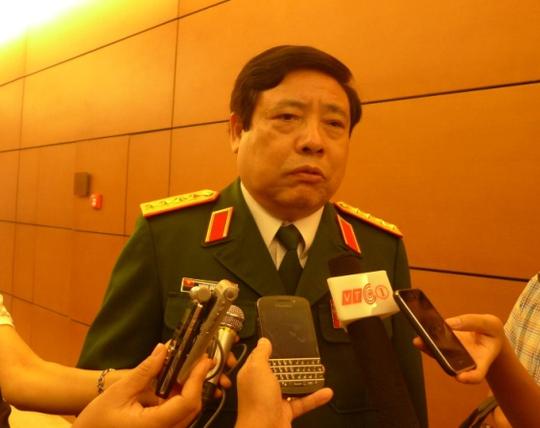 Bộ trưởng Bộ Quốc phòng Phùng Quang Thanh trả lời phỏng vấn