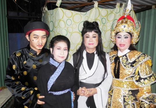 NS Thanh Thế và các nghệ sĩ: Ngô Tùng Bảo, Kiều Phượng Loan, Thanh Hoàng trong chương trình 95 năm ra đời bản Dạ cổ hoài lang