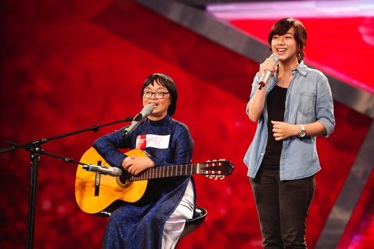 Màn hát bè cho con gái của bà Huỳnh Mai cũng khá thú vị và chất lượng