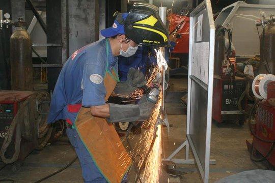 Công nhân SAMCO thi thợ giỏi nghề hàn