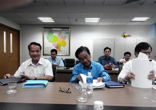 Buổi họp báo chiều 23-12