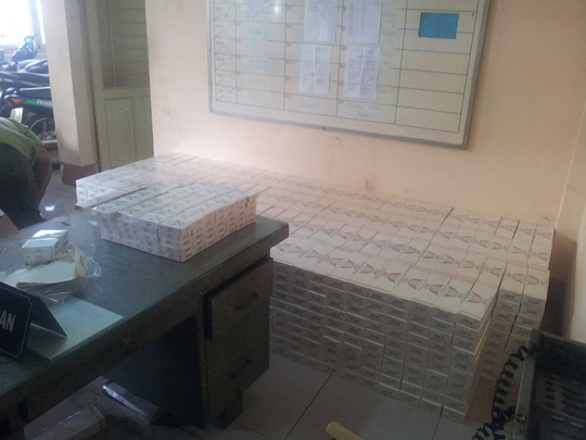 Số thuốc lá lậu bị CSGT Đội Chợ Lớn thuộc Phòng CSGT Đường bộ - Đường sắt Công an TP HCM, phát hiện bắt giữ sáng 20-9.