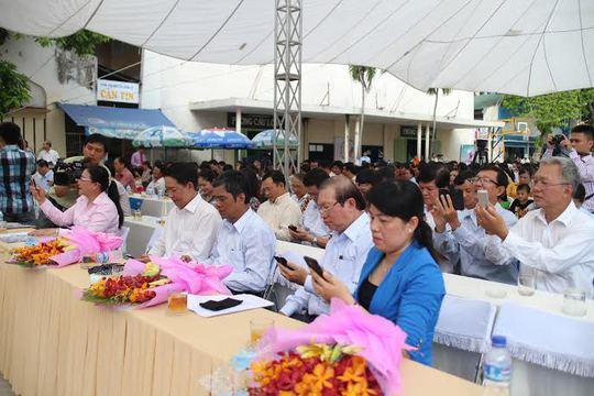 Lãnh đạo LĐLĐ TP HCM nhắn tin ủng hộ Chương trình Nghĩa tình Hoàng Sa, Trường Sa do Tổng LĐLĐ Việt Nam phát động