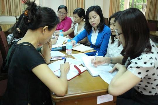 Các cán bộ Công đoàn TPHCM thảo luận tổ trong chương trình tọa đàm