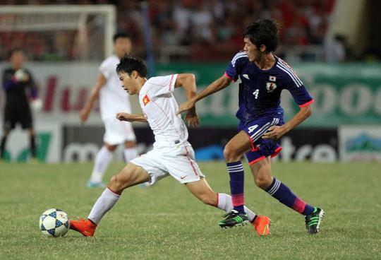 U19 Việt Nam (trái) lần thứ tư gặp U19 Nhật Bản trong năm 2014