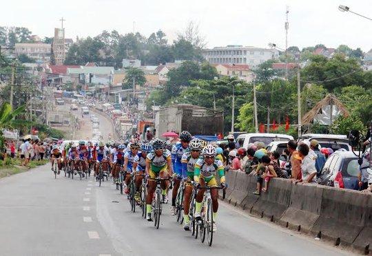 Đoàn đua đến Trảng Bom - Đồng Nai