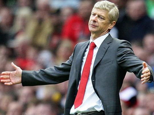 HLV Wenger sẽ lại trắng tay cùng Arsenal?