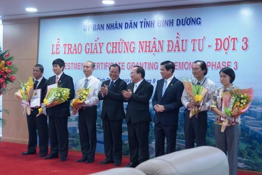 Sự kiện trao giấy chứng nhận đầu tư hôm 16-9 đánh dấu Bình Dương lọt vào top 4 tỉnh thành hút FDI mạnh nhất