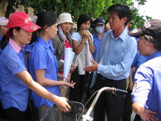 Cán bộ chuyên trách :LĐLĐ quận 12, TPHCM tham gia hòa giải một vụ ngừng việc