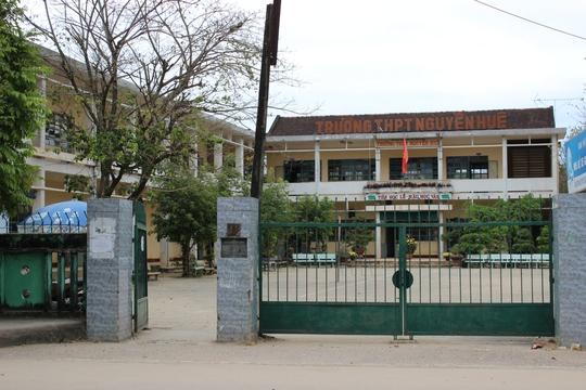 Hiệu trưởng Trường THPT Nguyễn Huệ (huyện Tây Sơn, tỉnh Bình Định), nơi xảy ra việc thầy trò đánh nhau trong lớp