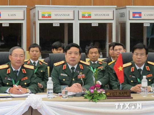 Bộ trưởng Phùng Quang Thanh phát biểu tại Hội nghị ADMM-7. Ảnh: TTXVN