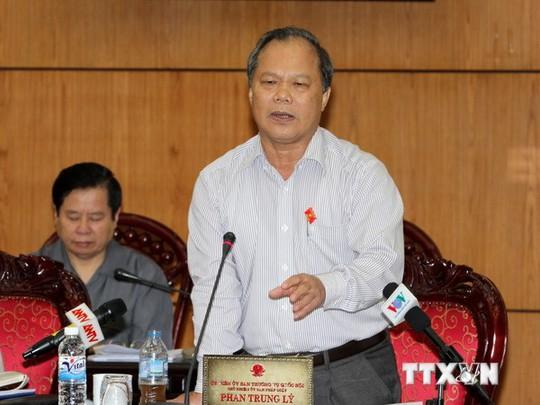 Chủ nhiệm Ủy ban Pháp Luật của Quốc hội Phan Trung Lý phát biểu tại phiên họp. (Ảnh: Phương Hoa/TTXVN)