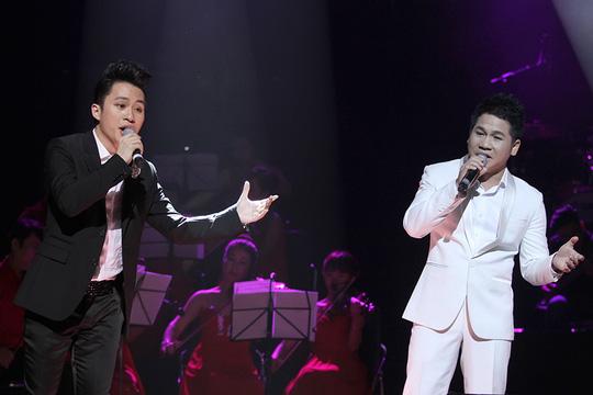 Tùng Dương và Trọng Tấn hoà giọng ngọt ngào, đã làm mới một cách đầy ấn tượng ca khúc Mẹ yêu con của nhạc sỹ Nguyễn Văn Tý vốn đóng đinh với nhiều giọng hát nữ