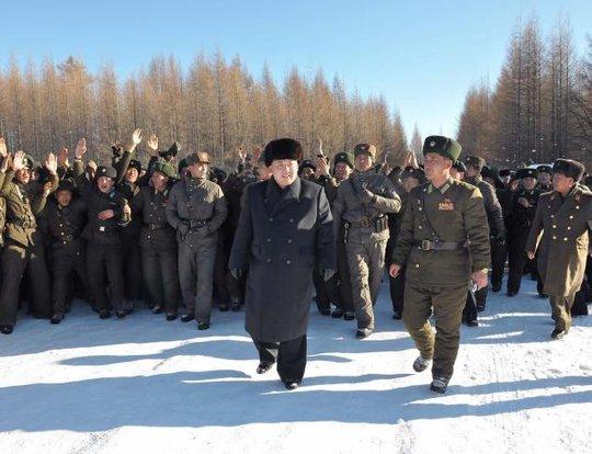 Ông Kim Jong-un đến khu trượt tuyết đèo Masik ngày 31-12