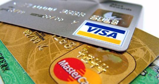 Không phải người dùng nào cũng có thẻ VISA và online 24/24.