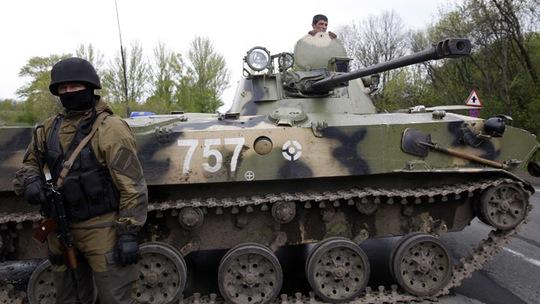 Quân đội Ukraine ở phía Đông nước này. Ảnh: Reuters