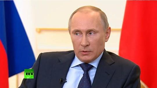 Tổng thống Nga Vladimir Putin tại cuộc họp báo hôm 4-3. Ảnh: RT