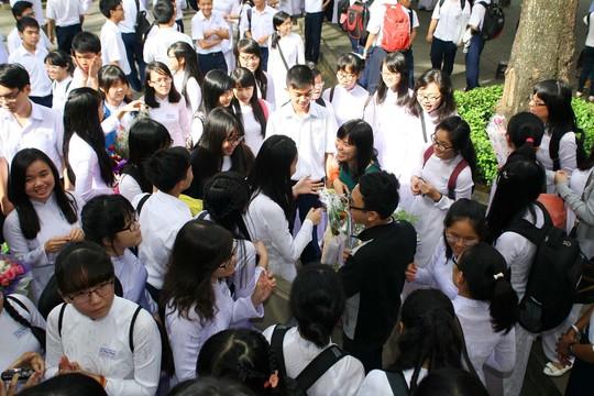 Lễ kỷniệm Ngày nhà giáo Việt Namtại Trường THPT ChuyênLê Hồng Phong.Ảnh: Hoàng Triều