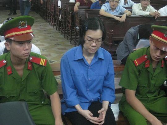 Huỳnh Thị Huyền Như tại phiên tòa sáng 24-12