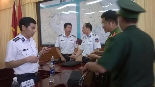 Cảnh sát biển Vùng 3 họp bàn phương án đưa tàu Sunrise 689 vào đất liền