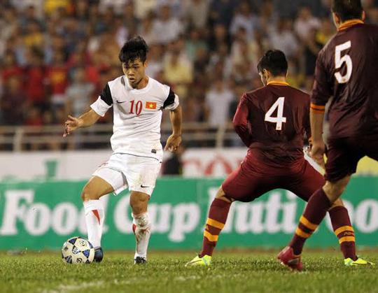 Công Phượng bỏ lỡ ít nhất 2 cơ hội ghi bàn trong trận đấu đêm 6-1