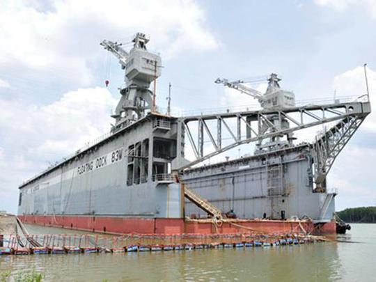 Ụ nổi 83M đang được neo đậu tại cảng Gò Dầu B, tỉnh Đồng Nai.