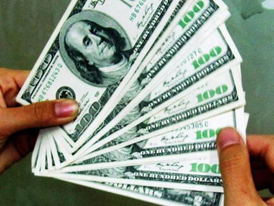 Giá USD ở các ngân hàng tăng vọt sau quyết định của Ngân hàng Nhà nước