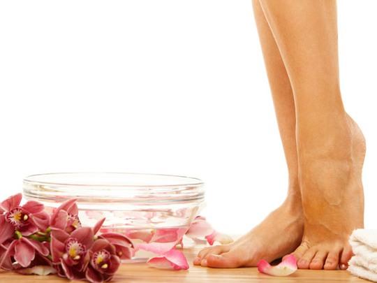 Bí quyết tự nhiên trị đôi chân bốc mùi