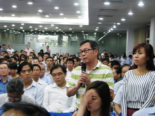 Vẻ mặt buồn rầu của người đàn ông Đài Loan, đại diện lãnh đạo công ty Việt Nam - Mỹ Thanh