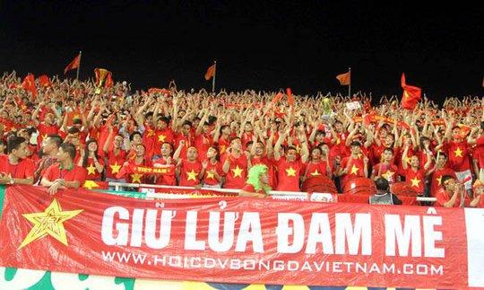 CĐV Việt Nam sẽ nuộm đỏ góc sân Ahah Alam vào tối 7-12 Ảnh: FACEBOOK VFS