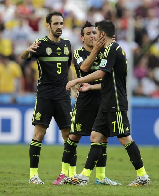 Đồng đội tạm biệt David Villa