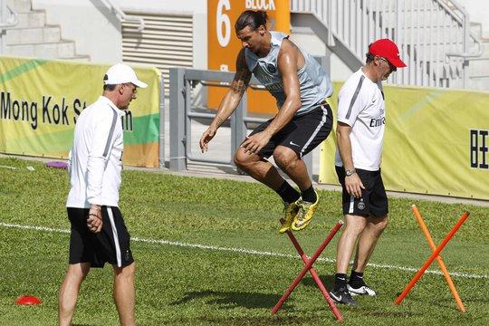 Ibrahimovic tích cực tập luyện