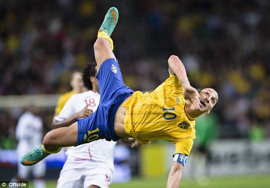 Bàn thắng đẹp mắt của Ibrahimovic vào lưới tuyển Anh