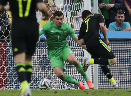 Villa ghi bàn thắng điệu nghệ vào lưới Úc