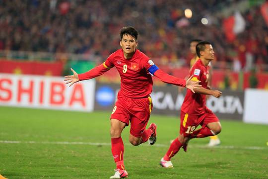Bàn thắng muộn của Công Vinh không thể giúp Việt Nam ngược dòng trước Malaysia