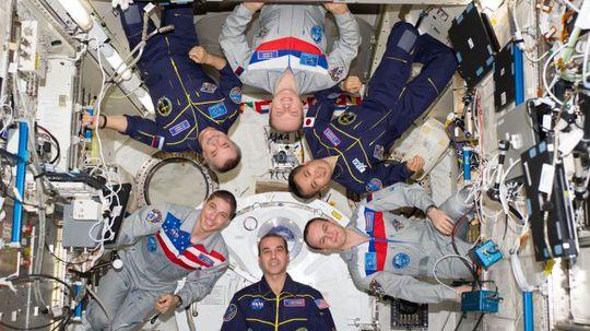 Phi hành đoàn Expedition 38 của Trạm vũ trụ quốc tế (ISS)