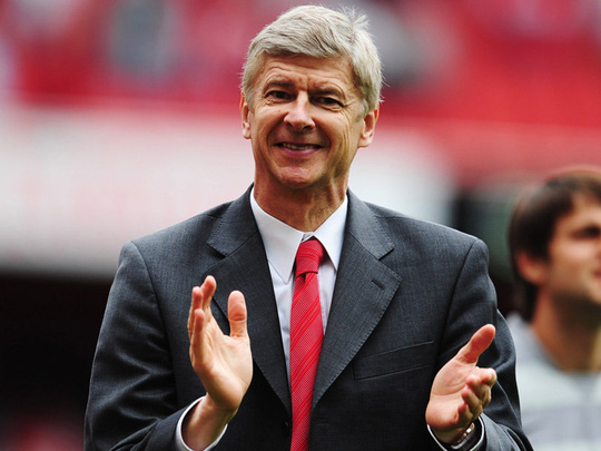 HLV Wenger đã trở thành tượng đài của Arsenal
