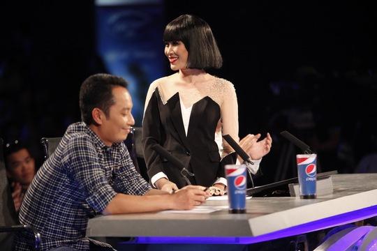 Mỹ Tâm trên ghế nóng trong chương trình Vietnam Idol tối 23-2