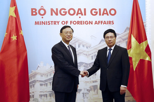 Phó Thủ tướng, Bộ trưởng Ngoại giao Phạm Bình Minh tiếp ông Dương Khiết Trì hồi tháng 6. Ảnh: Reuters