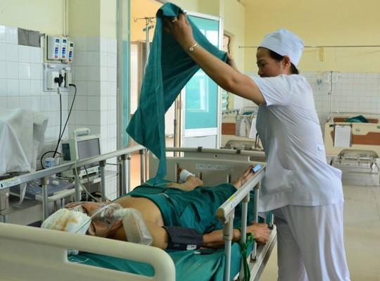 Ông Phạm Văn Hoàng vẫn đang trong tình trạng nguy kịch