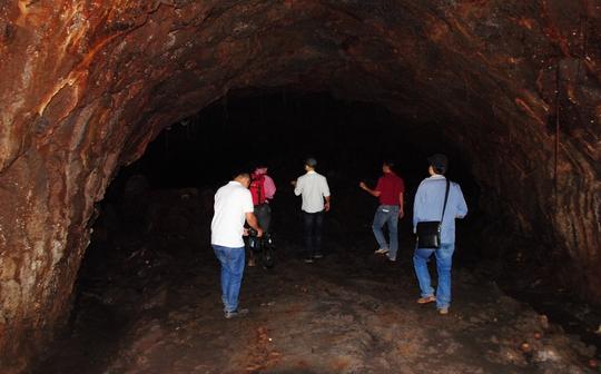 Hang núi lửa C7 dạng ống dài gần 1.100m, dài nhất Đông Nam Á