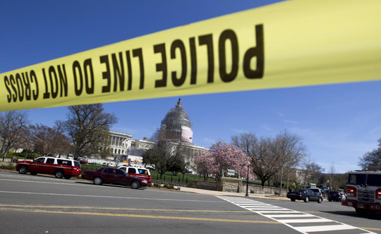 Cảnh sát phong tỏa đồi Capitol ngay sau vụ một người đàn ông nổ súng tự sát