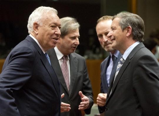 Các lãnh đạo EU nhất trí mở rộng trừng phạt Nga. Ảnh: AP