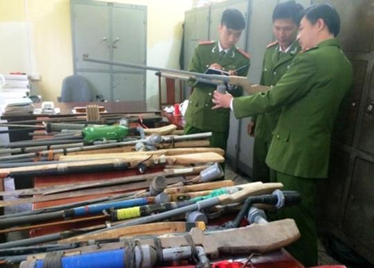 Số súng cồn được Công an huyện Ngọc Lặc thu giữ