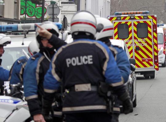 Pháp huy động an ninh tối đa sau vụ thảm sát ở tòa soạn báo Charlie Hebdo. Ảnh: Independent