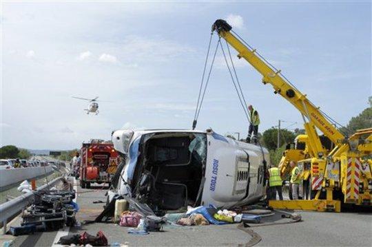 Một vụ tai nạn xe cộ thảm khốc tại Nga. Ảnh: AP