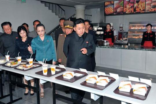 Lãnh đạo Kim Jong-un đang muốn mở rộng kinh doanh nhà hàng ở châu Âu. Ảnh: Reuters