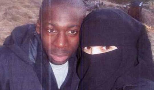 Amedy Coulibaly (trái) và vợ Hayat Boumeddiene. Ảnh: New York Daily News