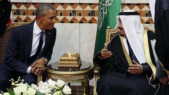 Tổng thống Obama (trái) gặp tân vương Salman tại cung điện Erga ở thủ đô Riyadh. Ảnh: Reuters